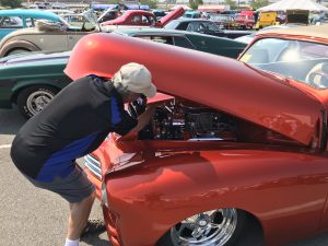 Stan installs a clamp Hot August Nights in Reno